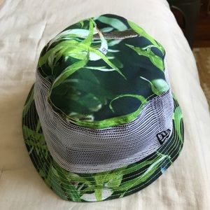 FITTED HAWAII bucket hat